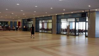 Ρόδος: Τους ξέχασαν στην… πίστα του αεροδρομίου για μία ώρα