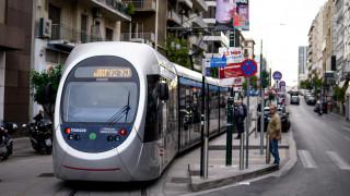 Στους δρόμους του Πειραιά και πάλι το τραμ - έστω και δοκιμαστικά
