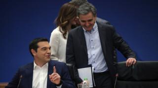 FT: Μετά από χρόνια στο ρόλο του οικονομικού παρία, η Ελλάδα κερδίζει εκ νέου το διεθνή σεβασμό
