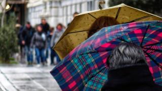 Καιρός: Πιθανότητα βροχών την Τρίτη - Ευνοείται η μεταφορά σκόνης