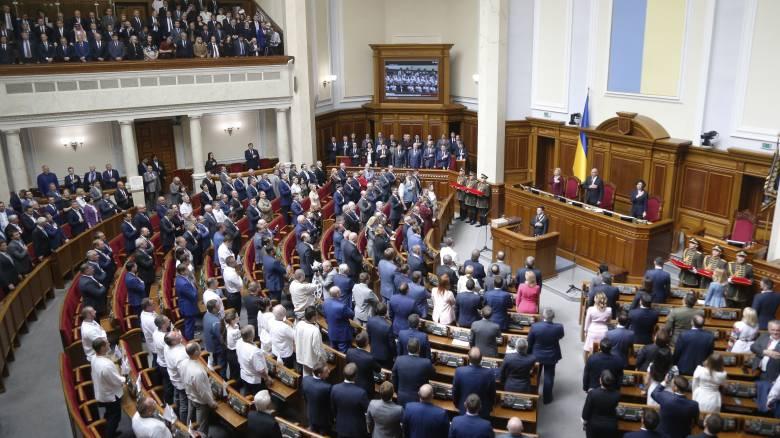 Ουκρανία: Ο νέος πρόεδρος… παραίτησε τον πρωθυπουργό