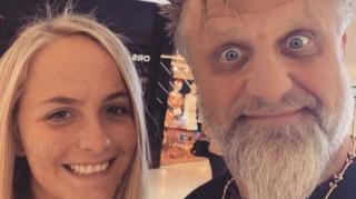 Ανείπωτη θλίψη για τον ιδρυτή και ντράμερ των Slipknot: «Έχασε» τη μικρή του κόρη (pics)