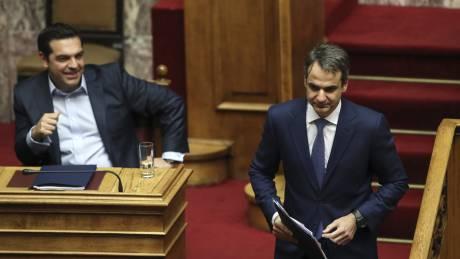 Οι δύο κατηγορίες ψηφοφόρων που στοχεύουν Τσίπρας και Μητσοτάκης