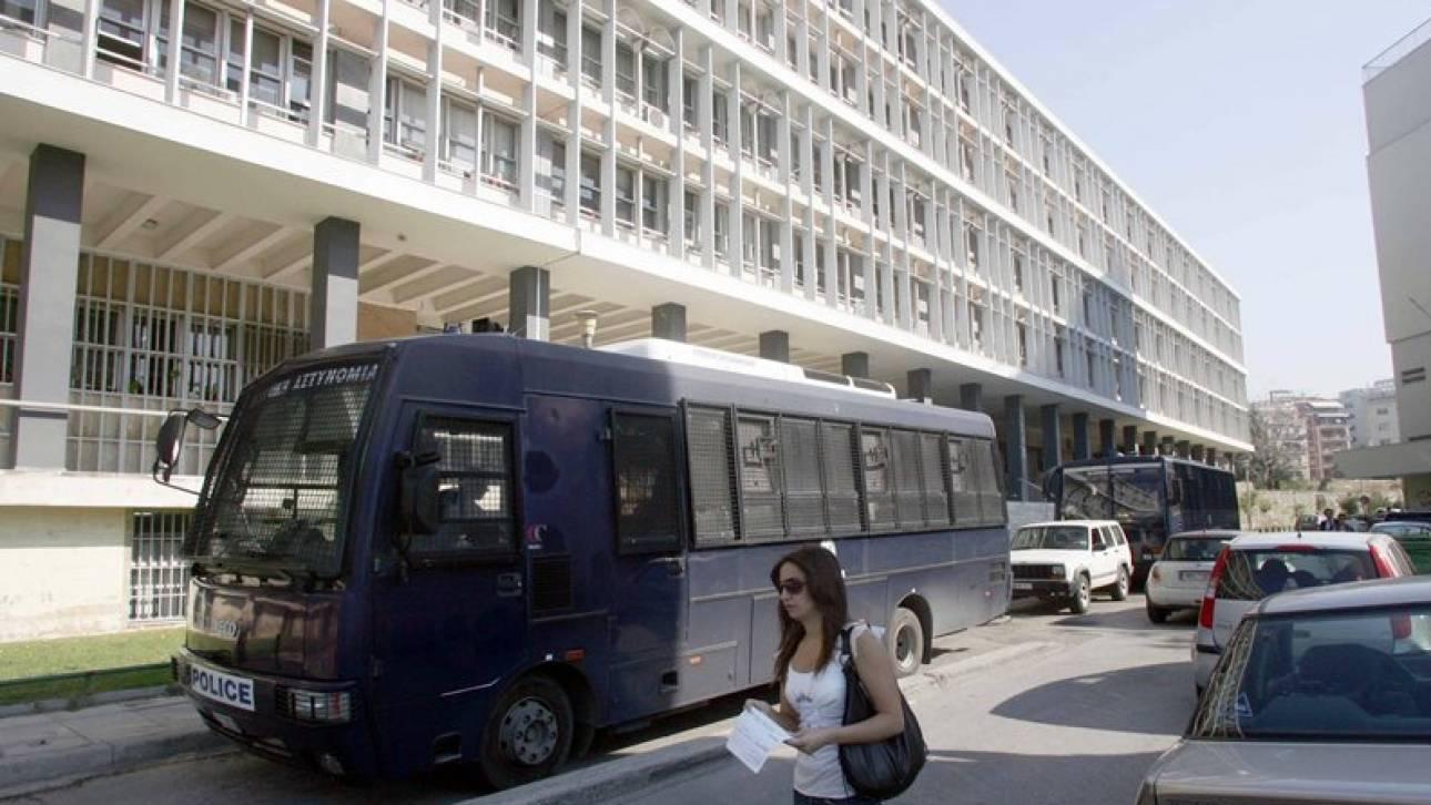 Τρικάκια υπέρ του Κουφοντίνα στα δικαστήρια Θεσσαλονίκης - Συνελήφθησαν τέσσερα άτομα