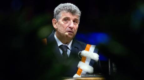 Ευρωεκλογές 2019 - Πιέτρο Μπαρτόλο: Υποψήφιος ο γιατρός της Λαμπεντούζα που διδάσκει ανθρωπισμό