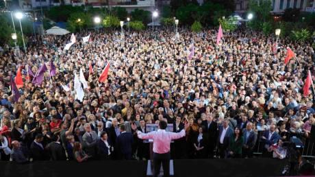 Τσίπρας από Λάρισα: Ο Κάμπος ακυρώνει τις δημοσκοπήσεις της συμφοράς