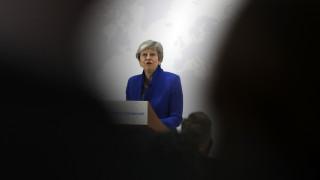 Ομοβροντία πυρών κατά Μέι για το νέο σχέδιο Brexit - Τι σχεδιάζουν Τόρις και Εργατικοί