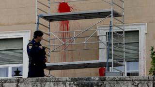 Επίθεση Ρουβίκωνα στη Βουλή: Ποινική δίωξη του συλληφθέντα σε βαθμό κακουργήματος