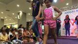«Καλλιστεία» της οργής: Οργάνωσαν «πασαρέλα» ορφανών στη Βραζιλία