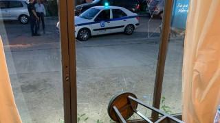 Επίθεση σε εκλογικό κέντρο υποψήφιου δημάρχου της Γλυφάδας