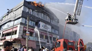 Τραγωδία στην Ινδία: 18 μαθητές νεκροί από πυρκαγιά - Πηδούσαν από κτήριο για να γλιτώσουν