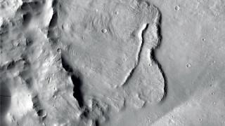 Εντοπίστηκαν αποθέματα πάγου κάτω από την επιφάνεια του Άρη