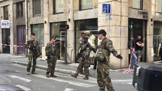 Έκρηξη στη Λυών: Νέες φωτογραφίες του υπόπτου έδωσαν στη δημοσιότητα οι Αρχές