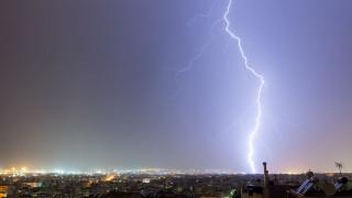 Δυσοίωνο το φετινό καλοκαίρι: Παρατεταμένοι καύσωνες στην Ευρώπη, ισχυρές καταιγίδες στα Βαλκάνια