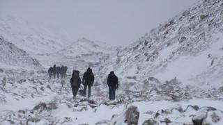 Έβερεστ: Και δέκατος ορειβάτης νεκρός μέσα σε δύο μήνες - Συγκλονίζει η «ζώνη του θανάτου»