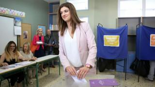 Εκλογές 2019: Με το... αριστερό ψήφισε η Κατερίνα Νοτοπούλου