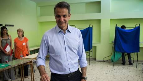 Εκλογές 2019: Στην Πειραιώς για να παρακολουθήσει τα αποτελέσματα ο Μητσοτάκης