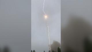 Απίστευτο βίντεο: Κεραυνός χτυπάει πύραυλο Soyuz κατά την εκτόξευσή του