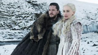 Η καταπληκτική στιγμή που ο Κιτ Χάρινγκτον διαβάζει το φινάλε του Game of Thrones (Video)