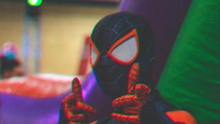 Τρεις λόγοι για να μπείτε με τα παιδιά σας στο Αραχνο-Σύμπαν του νέου Spider-Man