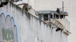 Συνελήφθη ένας από τους κρατούμενους που απέδρασαν από τις φυλακές Αυλώνα