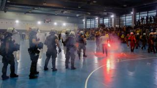 Χάντμπολ: «Ντου», επεισόδια και διακοπή στο ΑΕΚ - Ολυμπιακός