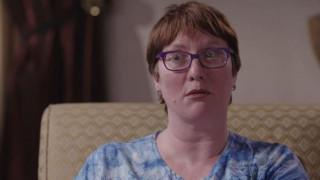 Βιάστηκε τόσες πολλές φορές από τον πατέρα της που ανέπτυξε 2.500 προσωπικότητες για να επιβιώσει