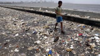 Πλούσιες χώρες έκαναν «χωματερή» τους τη Μαλαισία και τώρα τους στέλνει πίσω 3.000 τόνους σκουπιδιών