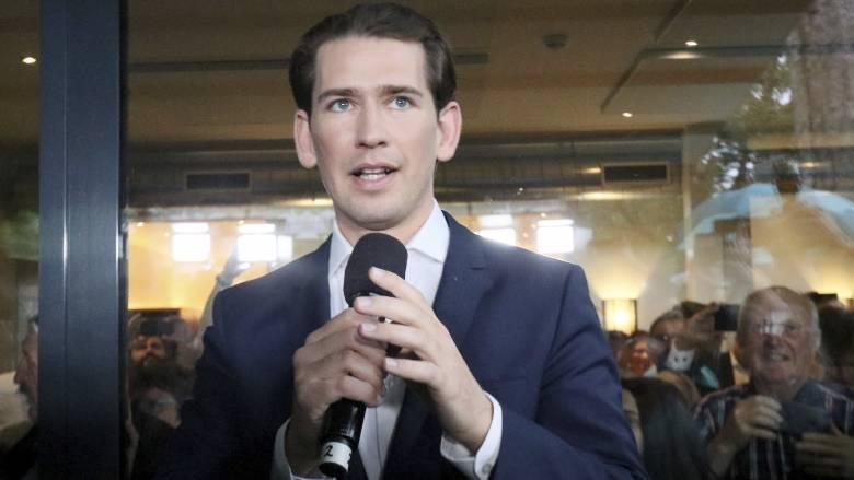 Αυστρία: Αντικαταστάθηκε ο Κουρτς - Συνομιλίες για τη νέα υπηρεσιακή κυβέρνηση