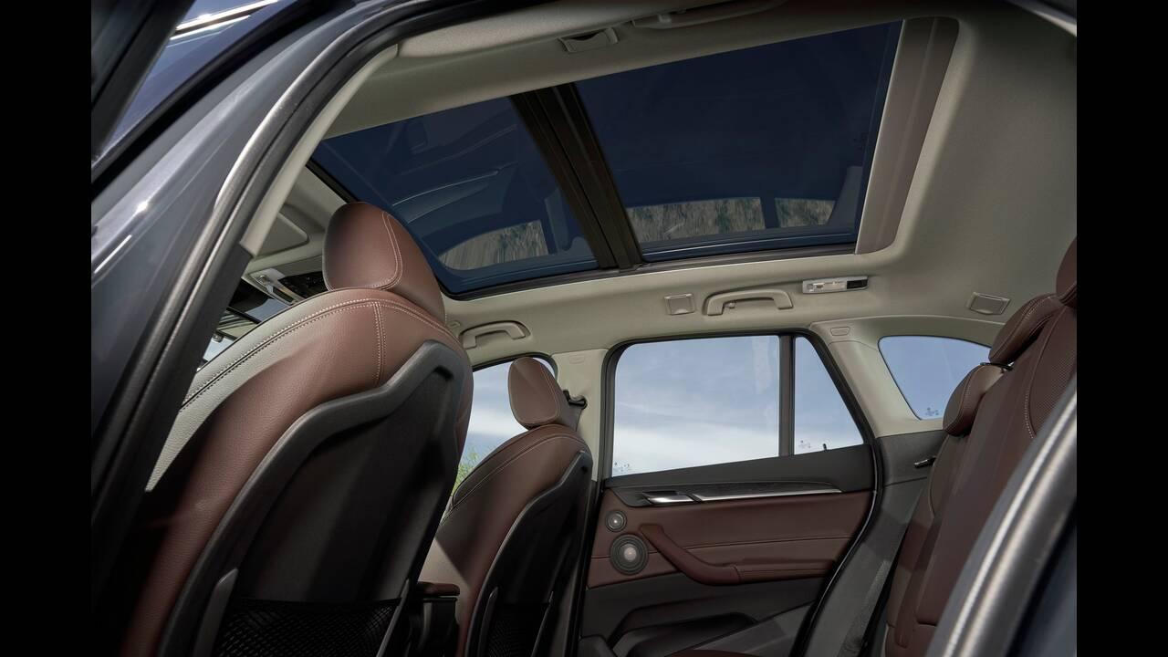 https://cdn.cnngreece.gr/media/news/2019/05/29/178618/photos/snapshot/BMW-X1-12.jpg
