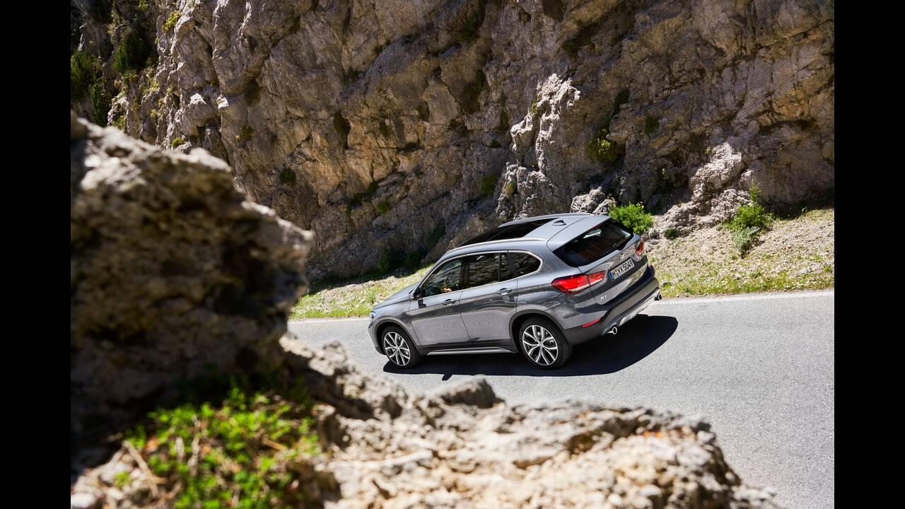 https://cdn.cnngreece.gr/media/news/2019/05/29/178618/photos/snapshot/BMW-X1-5.jpg