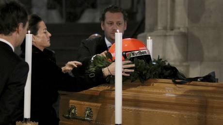 Πλήθος κόσμου στην κηδεία του θρυλικού πρώην πιλότου της F1 Νίκι Λάουντα