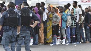 Ιταλία: Δεκάδες μετανάστες αποβιβάστηκαν στη Λαμπεντούζα