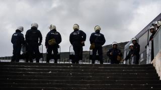 Άγρια επεισόδια σε αγώνα ποδοσφαίρου - Στο νοσοκομείο έξι αστυνομικοί