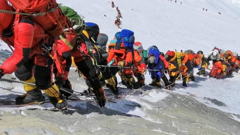 Ιστορίες και εικόνες φρίκης από το Έβερεστ: Γι΄αυτό πεθαίνουν οι ορειβάτες
