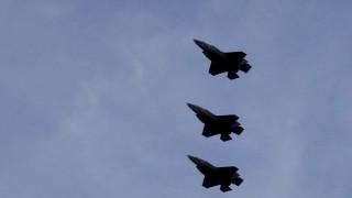 «Ήταν ατύχημα»: F-35 «ζωγράφισαν» ανδρικό μόριο στον ουρανό και η πολεμική αεροπορία… απολογείται!