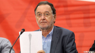 Ο Λαφαζάνης παραιτήθηκε από την ηγεσία της ΛΑΕ