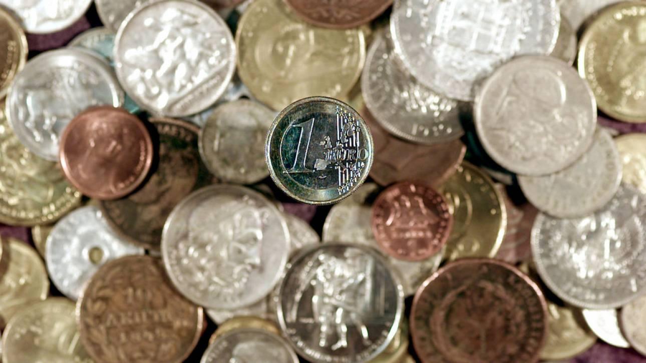 Ιερέας πέταξε κέρματα στο πρόσωπο βουλευτή του ΣΥΡΙΖΑ