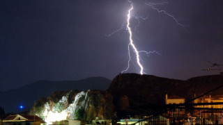 Καιρός: Σχεδόν 10.000 κεραυνοί έπεσαν στην Κεντρική και Βόρεια Ελλάδα την Κυριακή