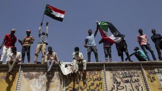 Χάος στο Σουδάν: Νεκροί και τραυματίες από επέμβαση του στρατού κατά διαδηλωτών