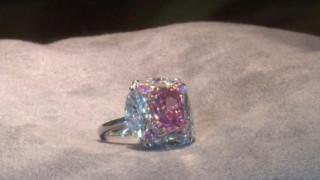Ροζ, αψεγάδιαστο και… «τσιχλόφουσκα»: Το ακριβοθώρητο διαμάντι των 7,5 εκατ. δολαρίων
