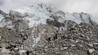 Ινδία: Εντοπίστηκαν πέντε πτώματα στα Ιμαλάια - Συνεχίζονται οι έρευνες για τους ορειβάτες