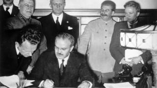 Στο «φως» ιστορικά έγγραφα για τη συμφωνία Στάλιν - Χίτλερ
