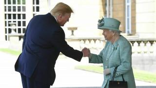 Η επίσκεψη του Ντόναλντ Τραμπ στη Βρετανία μέσα από 10 καρέ