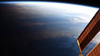 Όταν κοιτάς από… πολύ ψηλά: Η θέα της Γης σε ένα μαγικό timelapse της NASA