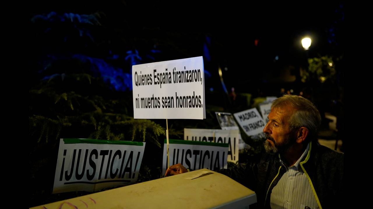 https://cdn.cnngreece.gr/media/news/2019/06/04/179417/photos/snapshot/2018-10-25T191653Z_195474517_RC1F41D18260_RTRMADP_3_SPAIN-POLITICS-FRANCO.JPG
