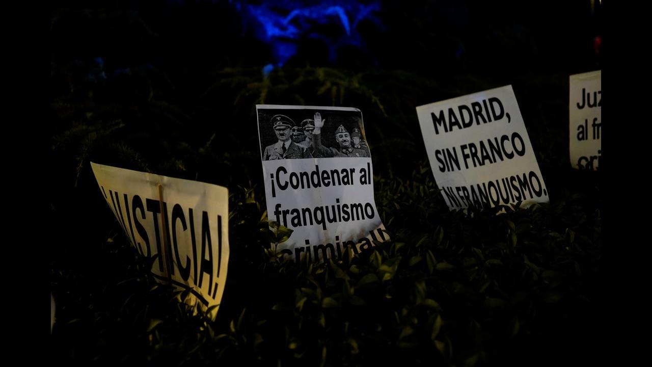https://cdn.cnngreece.gr/media/news/2019/06/04/179417/photos/snapshot/2018-10-25T191904Z_966747246_RC1C5480EC50_RTRMADP_3_SPAIN-POLITICS-FRANCO.JPG