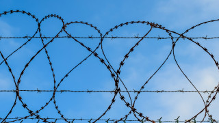 Kρατούμενος έκλεψε φορτηγάκι για να επιστρέψει στη... φυλακή και δεν ήξερε καν να οδηγεί!
