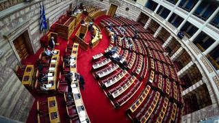 Κόντρα για τους ποινικούς κώδικες: Αποχώρησε η αντιπολίτευση από τη συζήτηση στη Βουλή