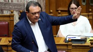 Γκρίνια βουλευτών του ΣΥΡΙΖΑ για το «όχι» Φάμελλου για τις τροπολογίες